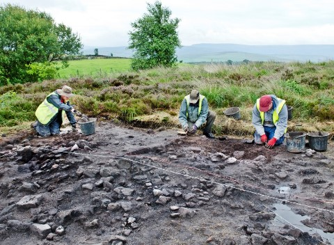 2014  Excavations at Shaw Cairn